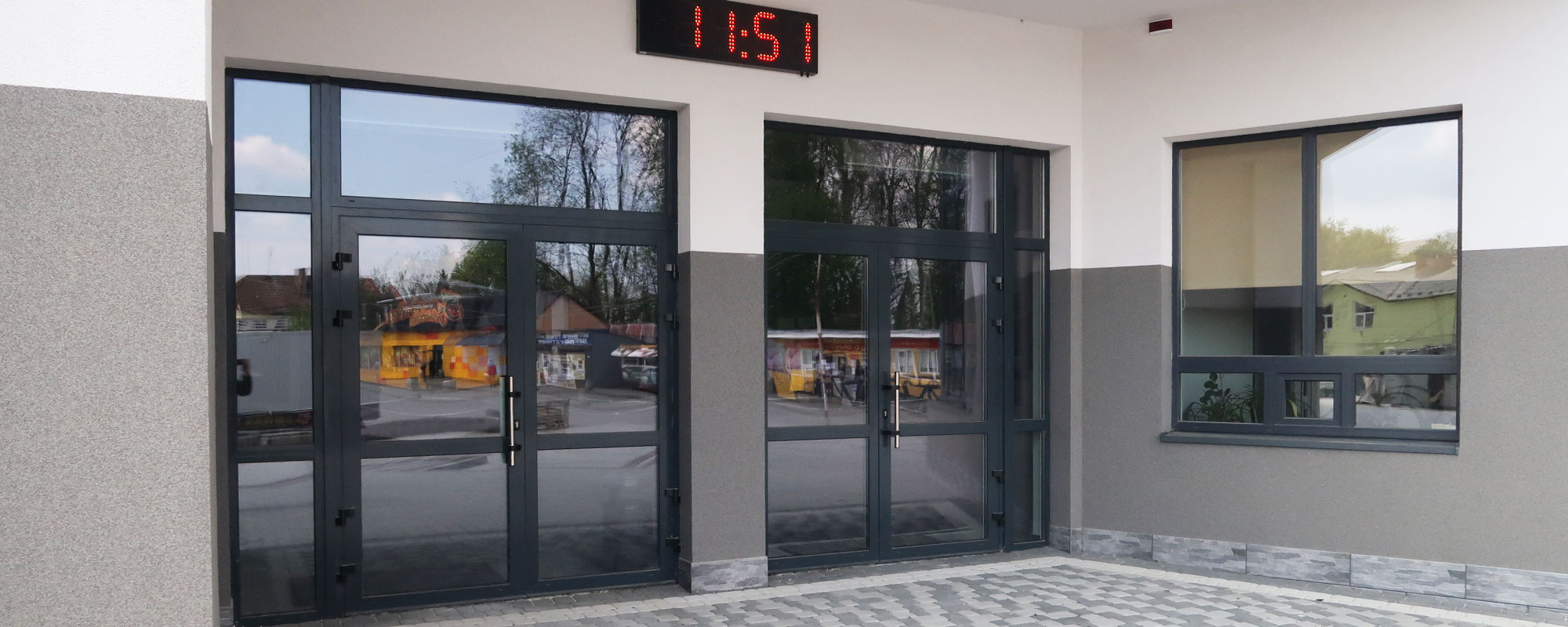 Алюминиевые входные двери от производителя