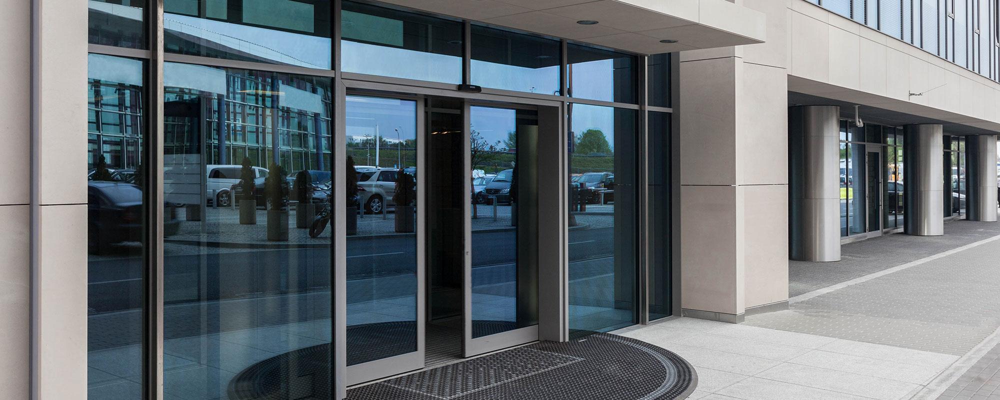 Автоматичні розсувні двері від виробника