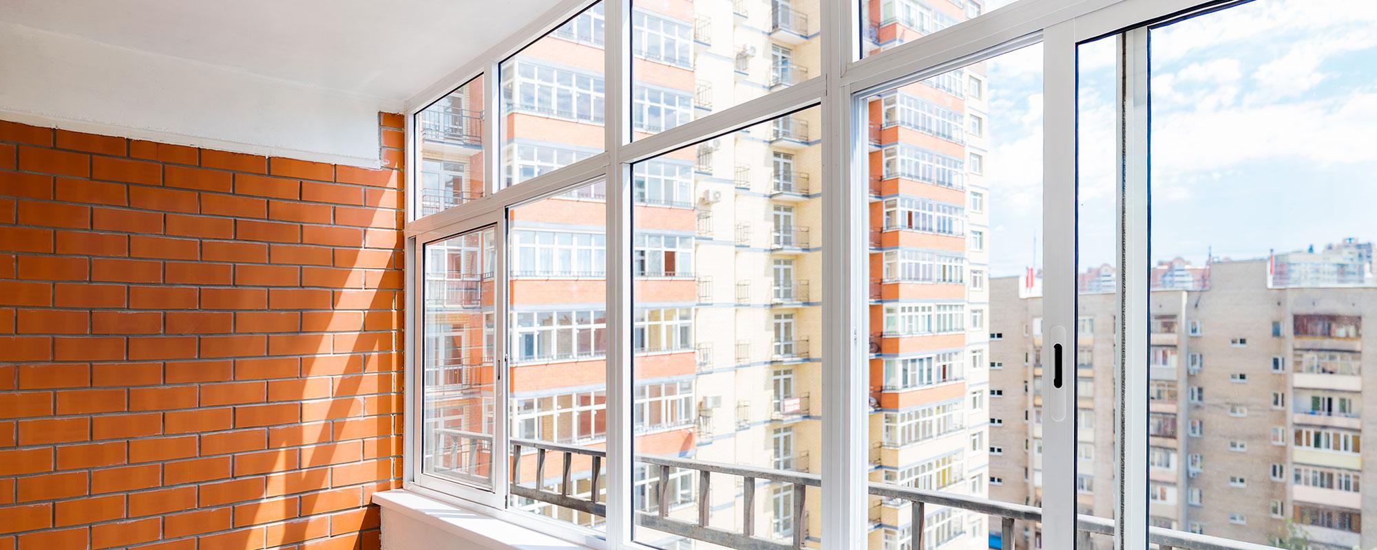 Алюмінієве скління балконів та терас