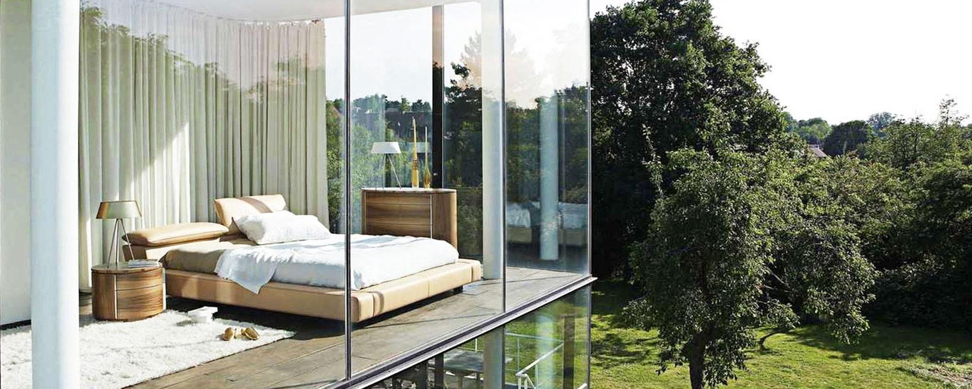Панорамное остекление фасадов зданий и балконов